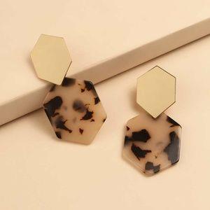 Tortoise shell earrings gold tan brown